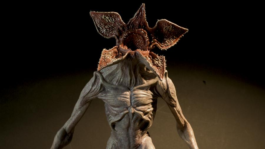 خلق هیولای سریال Stranger Things با پرینت سه بعدی SLA - 1
