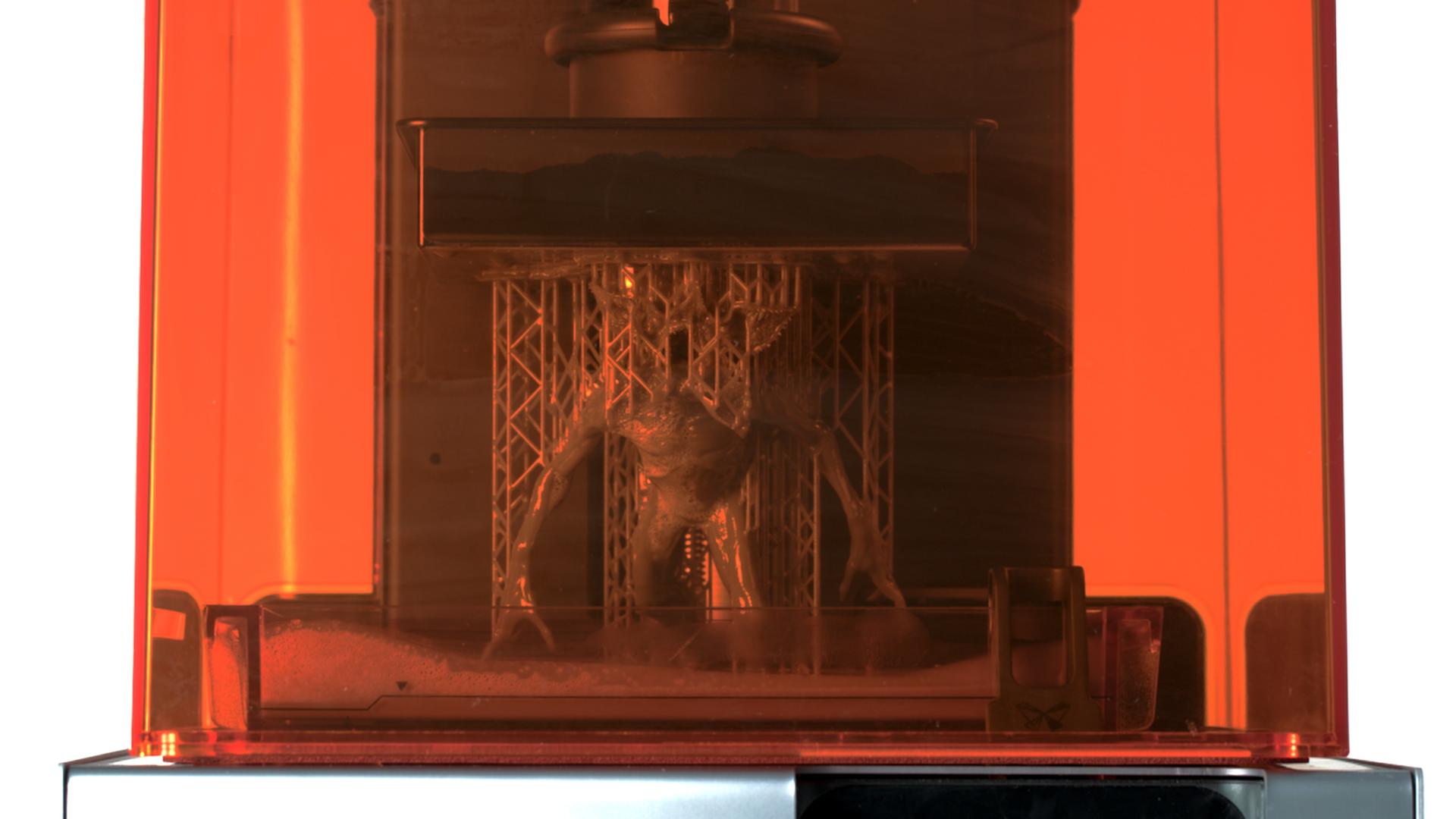 خلق هیولای سریال Stranger Things با پرینت سه بعدی SLA - 8