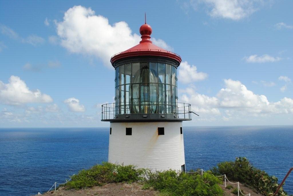 بزرگترین عدسی دنیا در یک فانوس دریایی در شهر Oahu